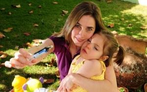 A pequena Anny Fischer foi o primeiro paciente brasileiro a ter garantido o direito de importar um medicamento a base de maconha.